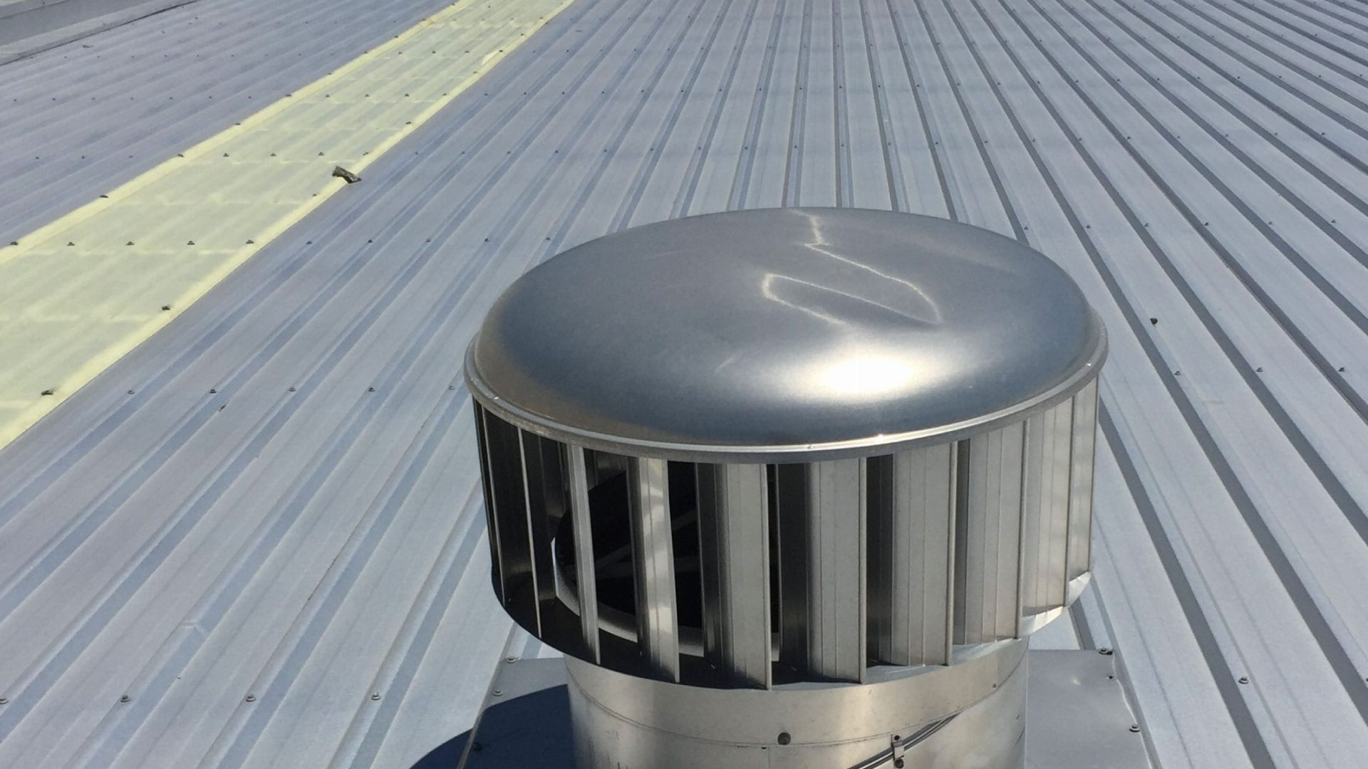 mechanical commercial roof vent